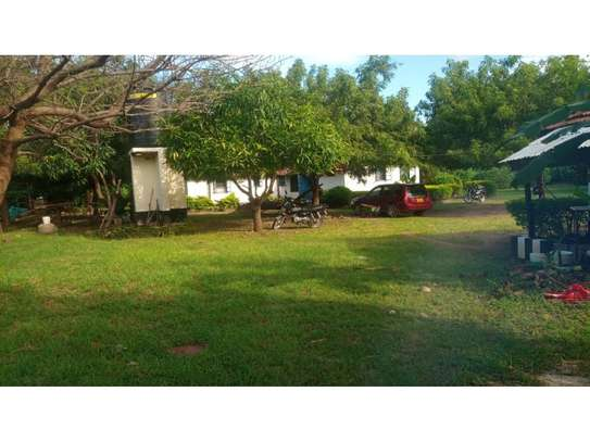 2bed house at oyster in the compound  near KCB BANK tsh 800,000 image 12