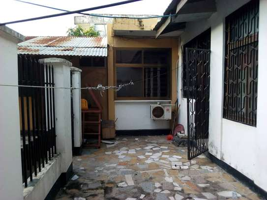 3 bed room house for rent tsh 1mil and ideal for office at msasani near american embassy