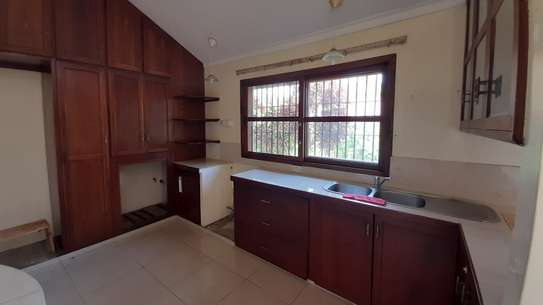 3 Bedrooms  House For Rent in Oysterbay image 13