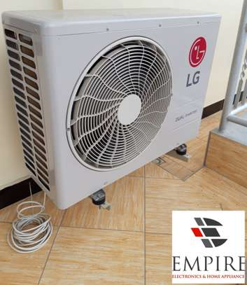 LG AIR CONDITIONER WITH DUAL INVERTER 18000BTU image 1