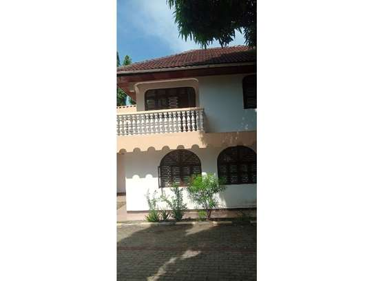 4bed house at mbezi beach tsh 1,000,000 image 2