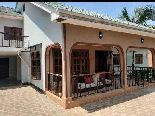 4BEDROOMS HOUSE IN SAKINA-ARUSHA image 2