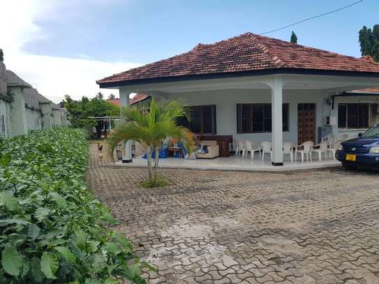 4 bed room stand alone house with big compound  for rent at mikocheni ridhiwani image 1