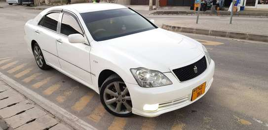 2005 Toyota Crown image 4