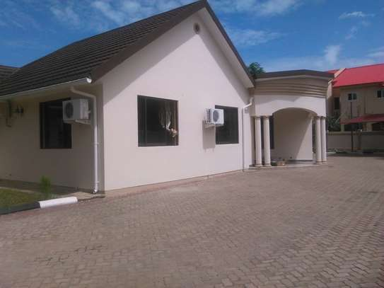 3bdrm house to let in mbezi beach Rainbow