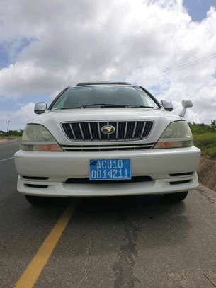 2002 Toyota Harrier image 1