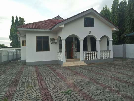 3bed room house at mbez beach tsh 1.million image 6