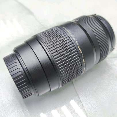 Tamron Auto Focus 70-300mm f/4.0-5.6 Di LD Macro Zoom Lens for Canon image 2