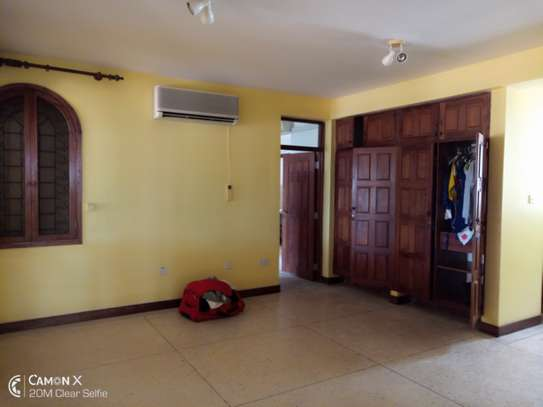 3bed house for sale at toure drive 1125sqm plot size facing the sea $2,5milion image 2