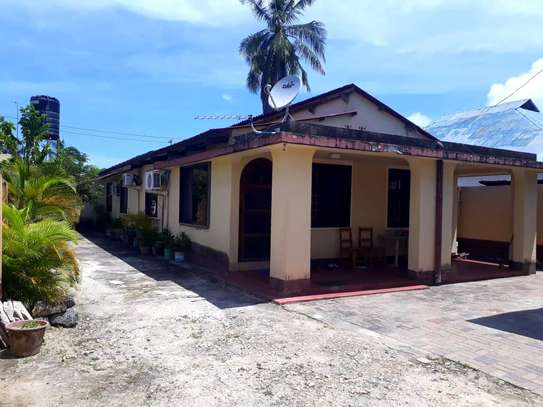 3 bedrooms house at mikocheni near to mosque