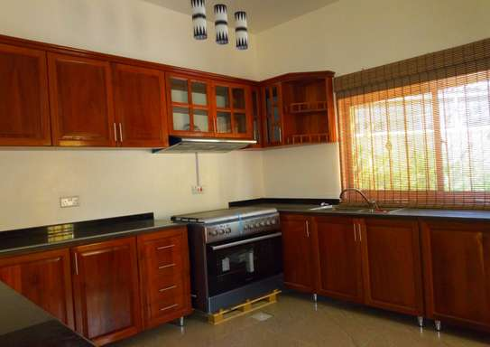 3 Bedroom Fully Furnished Villa House in Mbezi Beach image 5
