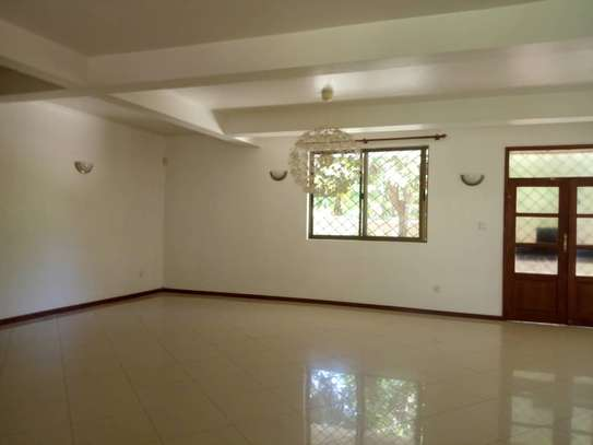 4 bed room house,  and 3 bed all ensuite located at masaki house with pool, stand by generator . image 5