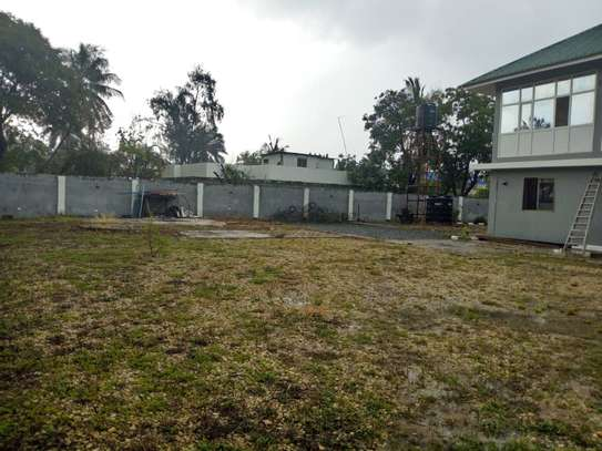 8bed house  at mikocheni a near main rd with big compound image 14