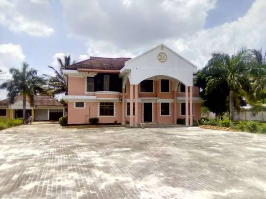 5 bed room house for sale at chanika image 3