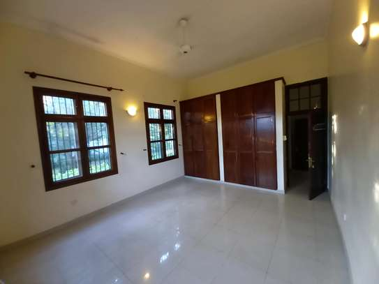 3 BEDROOM APARTMENT AT OYSTERBAY image 8