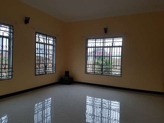 HOUSE FOR SALE OYSTERBAY DODOMA image 3