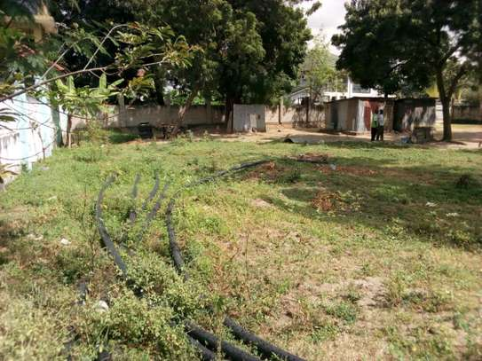 plot 3000sqm at mbezi beach tsh 200milion