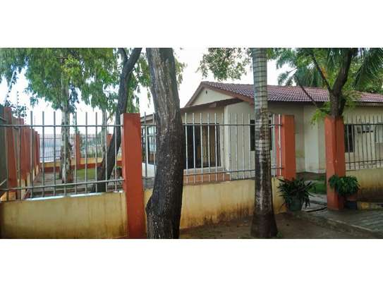 beach house 3 bed room for rent $800pmat kawe image 3