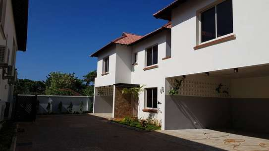 4 Bedrooms 4 Bathrooms Compound House For Rent in Oysterbay image 12