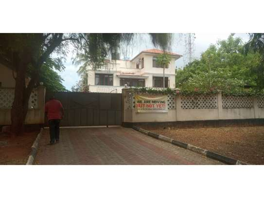 6bed house at masaki yatch club rd  i deal for restaurent or offce image 8