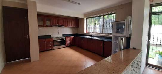 4 Bedrooms Pool House For Rent In Masaki image 8