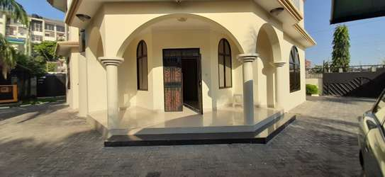 4 Bedrooms House For Rent in Msasani image 2