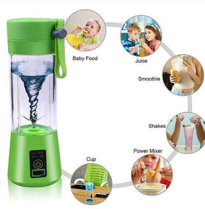 6 blades Rechargeable portable blender image 1
