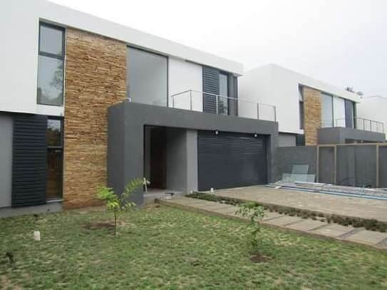 4 Newly Bedrooms Executive Villa House in Oysterbay