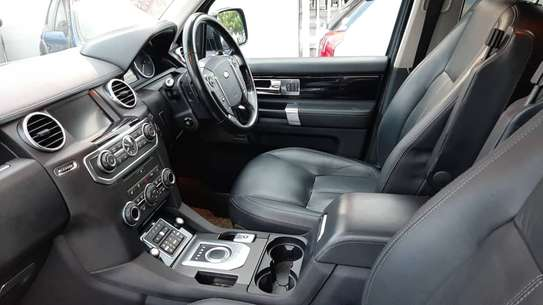 2014 Land Rover Discovery image 7