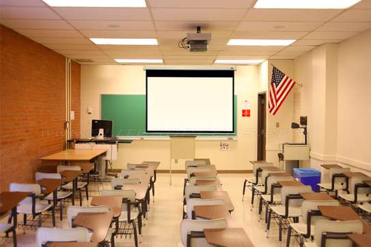 Manual Projector Screen - 150 Inches image 9