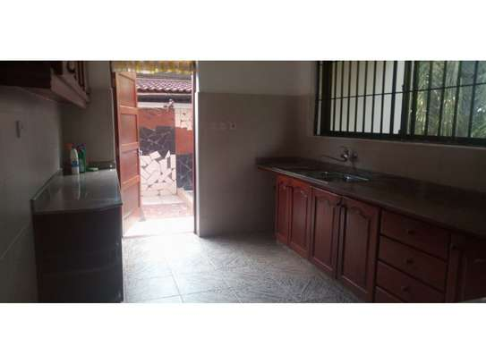 3bed house mature garden at oyster bay $1200pm image 4