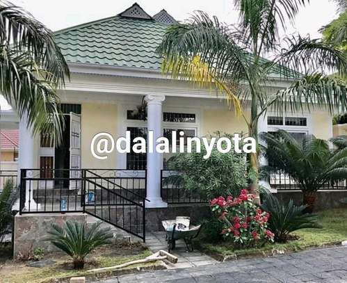 BEAUTIFUL HOUSE FOR RENT STAND ALONE