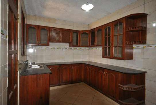 5 bdrm House For Sale in Mikocheni Sqm2000. image 7