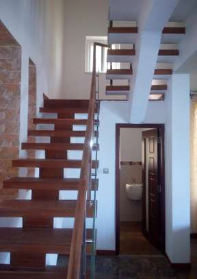 4 Bedrooms Apartment at Mbezi Beach image 5