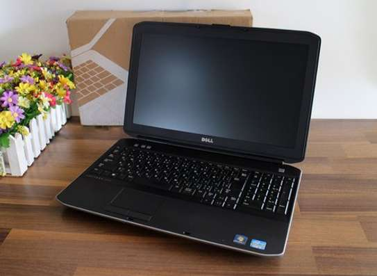 "Dell Latitude E5530 - 15.6"" - Core i5  - 4 GB RAM - 500GB HDD image 1"
