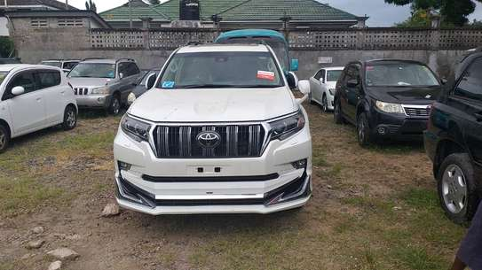 2018 Toyota Land Cruiser Prado New Model Chassis Number image 2