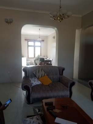 5 Bdrm House mbezi beach 3,300sqm image 8