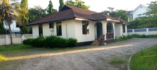 4 bed room and 2 bed master  big house for sale at mbezi beach image 1