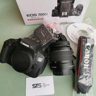 CANON EOS 700D WITH LENS 18-55MM image 4