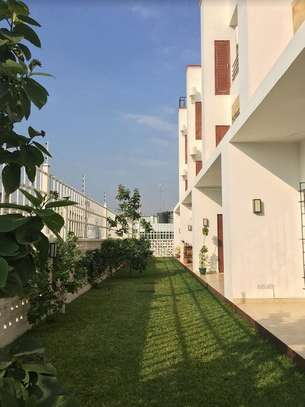 3 Bedrooms Townhouse With Sea View in Msasani image 3