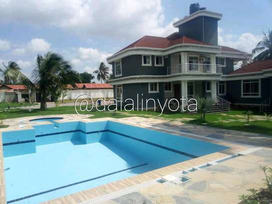 5 BDRM HOUSE AT SALASALA image 1