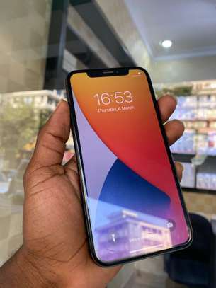 iPhone X 64GB Black for sale image 3