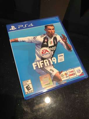Sony PlayStation 4 Pro - PS4 1TB Slim Black Console with Fifa 19 image 2