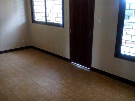 3 bed room house for rent at masaki image 6