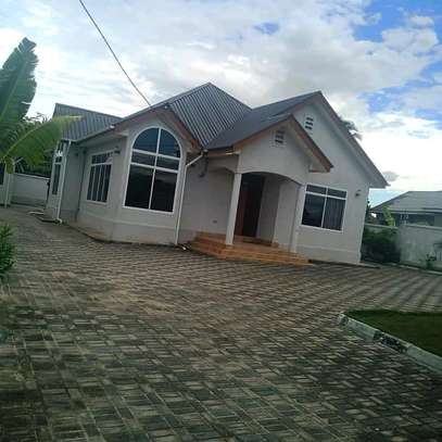 House for sale t sh mLN 230 image 1
