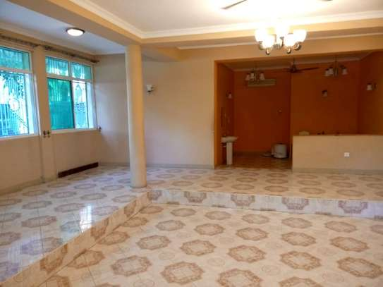 10bed  house at mikocheni a mwinyi area is available image 15