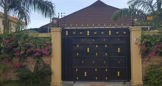 4 Bdrm House Stand Alone Fully Furnished MIkocheni