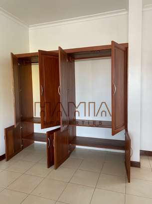 House for rent in msasani area image 3