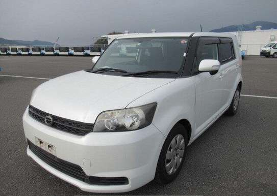 2010 Toyota Rumion image 2