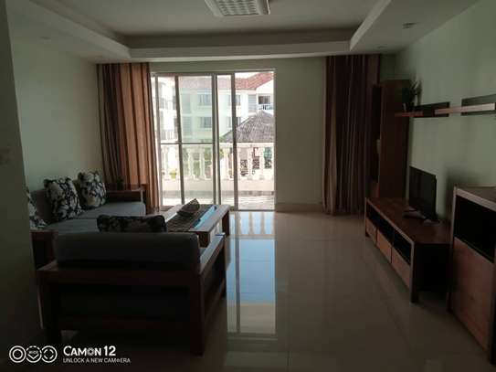 3 Bdrm Luxury Apartment in Oysterbay image 6